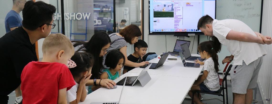 台北.程式設計.全英文聖誕節冬令營|把孩子推上國際的動畫遊戲營!快樂邁向未來智慧生活